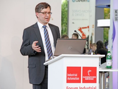 "Dr. Frank Nagel gave a talk in the ""Industrial Automation Forum"" about ""Non-contact temperature measurement in integrated automation solutions""."