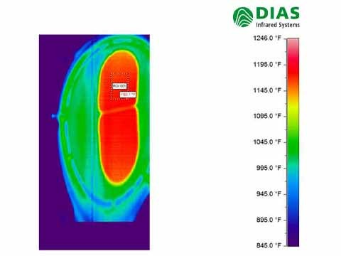Thermal image of the DIAS  PYROLINE infrared line camera. The thermal image shows how the glass leaves the furnace. Then the glass gets pressed.