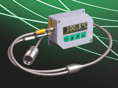 The new pyrometer PYROSPOT DGEF 11N has an Y-fiber cable and a laser target light. It measures temperatures starting at 100 °C.
